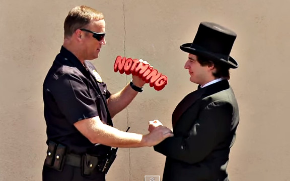 Magician Tries To Sell Weed To Cops!! {{ORIGINAL}} - YouTube (1)