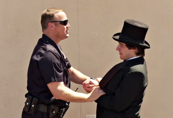 Magician Tries To Sell Weed To Cops!! {{ORIGINAL}} - YouTube (2)