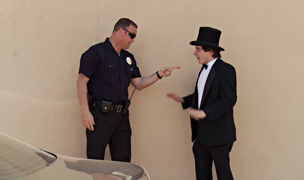 Magician Tries To Sell Weed To Cops!! {{ORIGINAL}} - YouTube (4)