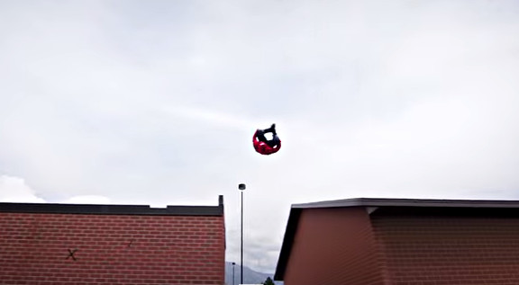 Super Mario Brothers Parkour [In Real Life  - YouTube (1)