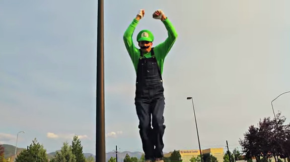 Super Mario Brothers Parkour [In Real Life  - YouTube (2)
