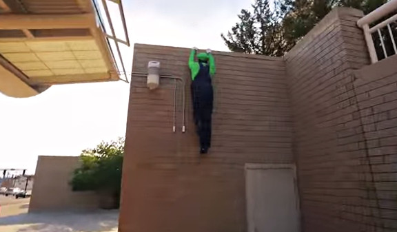 Super Mario Brothers Parkour [In Real Life  - YouTube (3)