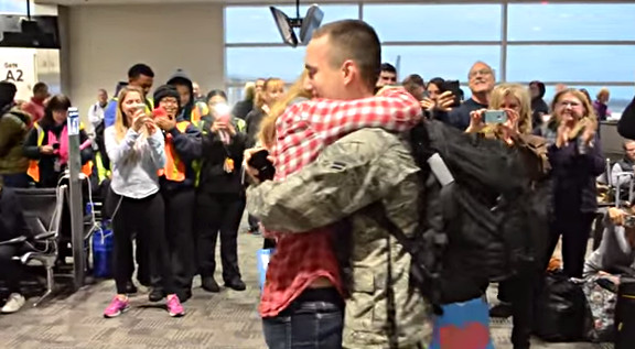 Surprise Christmas Air Force Proposal at the Airport - YouTube (3)