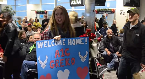 Surprise Christmas Air Force Proposal at the Airport - YouTube (4)
