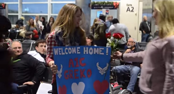 Surprise Christmas Air Force Proposal at the Airport - YouTube