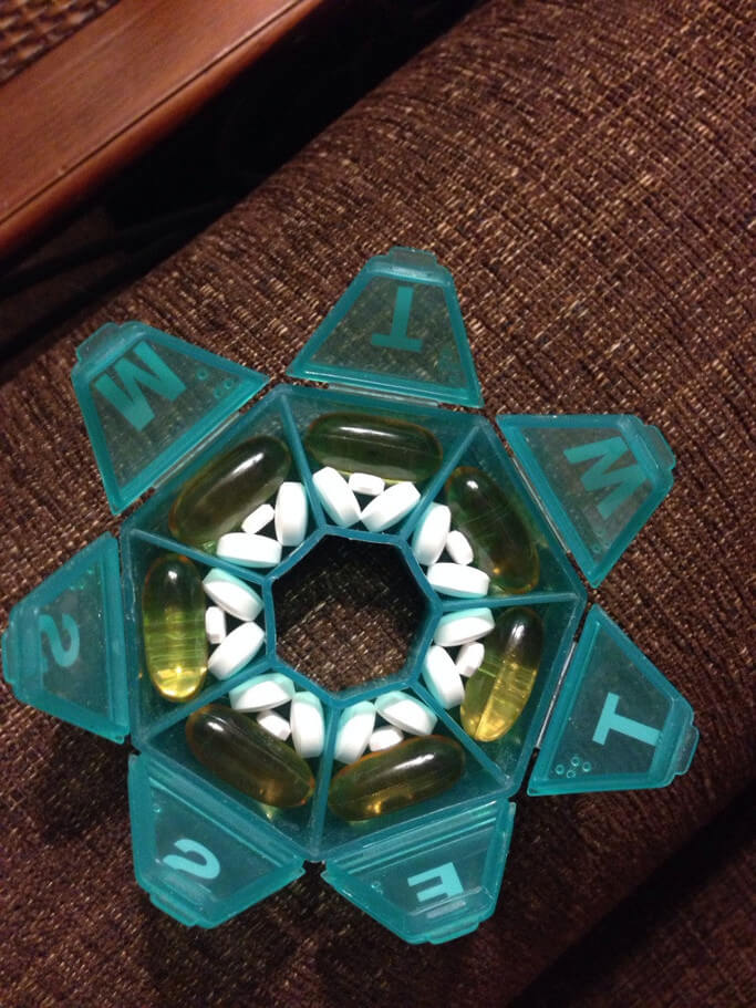 these-pills-fit-perfectly-in-this-container-imgur-1