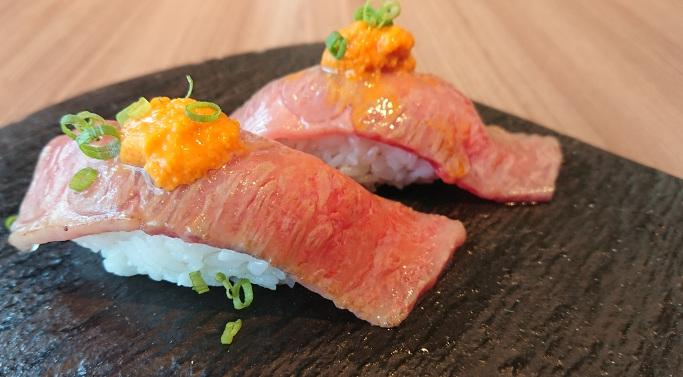 4.おびら牛・うに焼きのっけ寿司