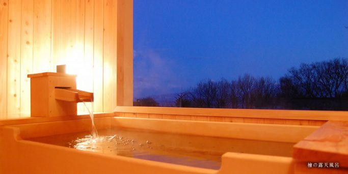 アジアン檜の露天風呂