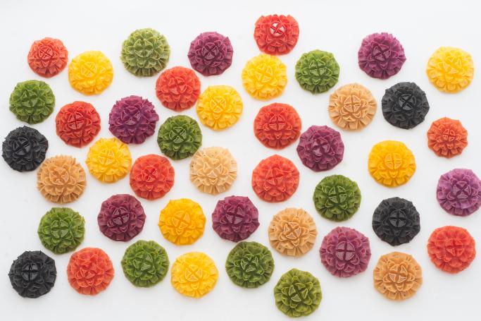 国内産の素材で作り上げられた美しすぎる「花咲かりん」季節限定のチョコかりんも美味しくて人気!