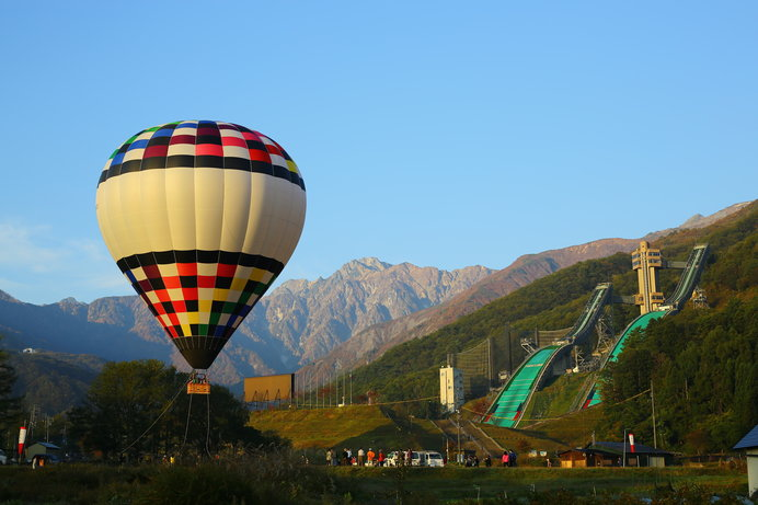 熱気球の乗船場所は「白馬ジャンプ競技場」のそば